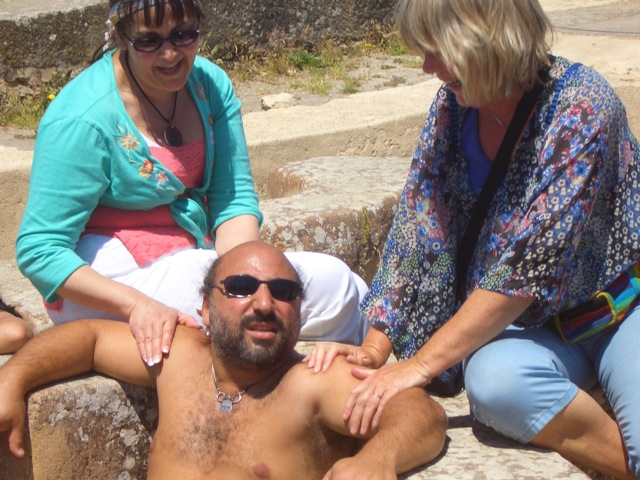 Dror having an imaginary hot-tube in Volubilis